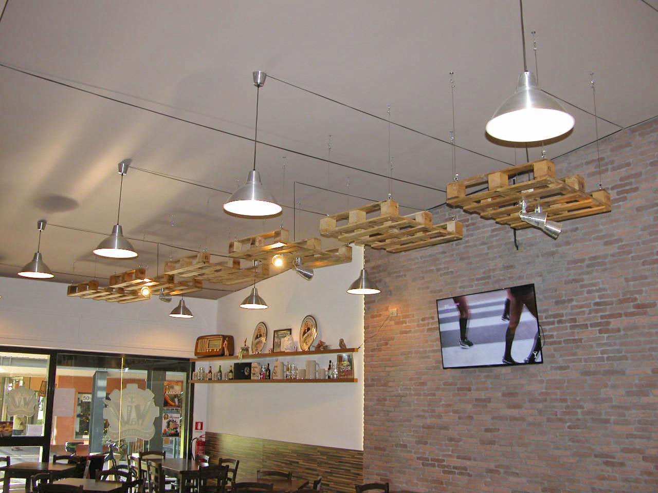 Lampadari Con Bottiglie Di Vetro fai da te - mobili in pallet