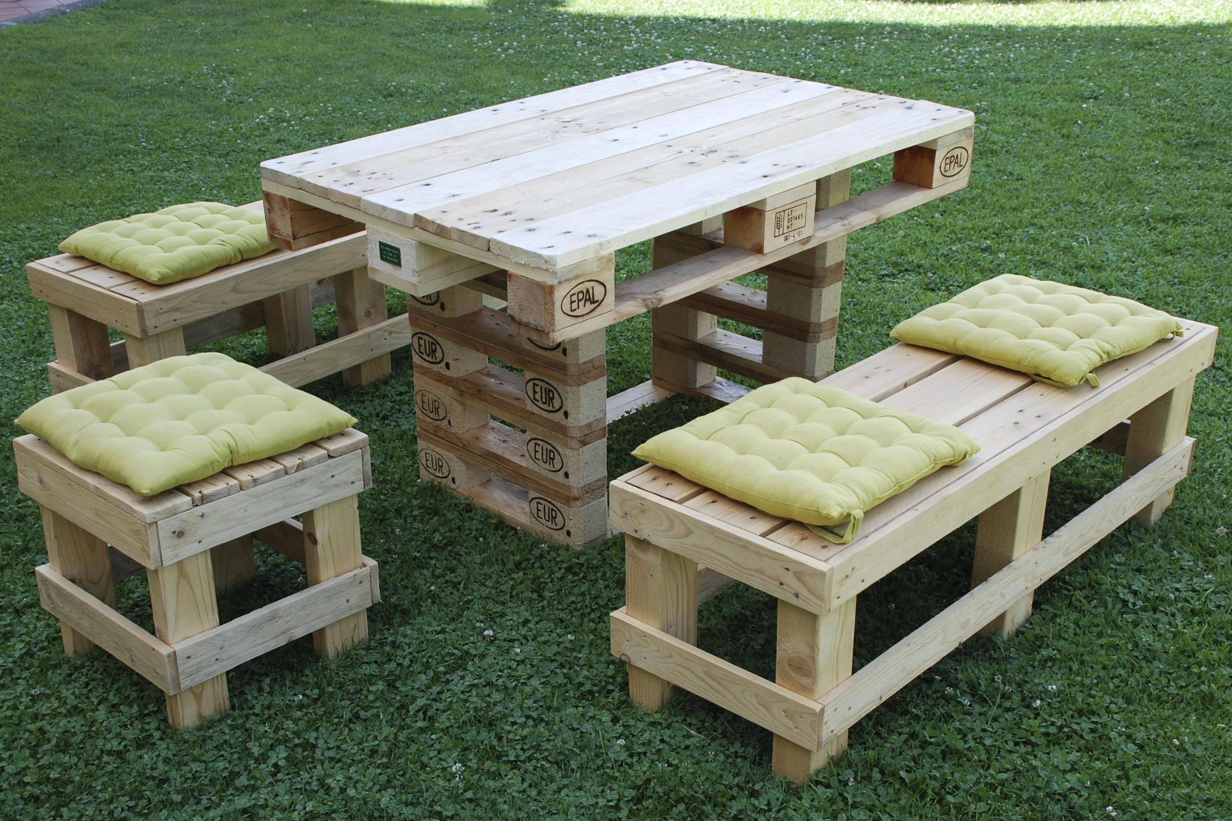 Tavolo con pallet disegni di cucina da giardino mobili for Vendita mobili con pallet