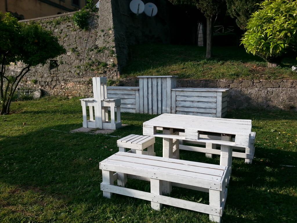 mobili da giardino in pallet mobili in pallet