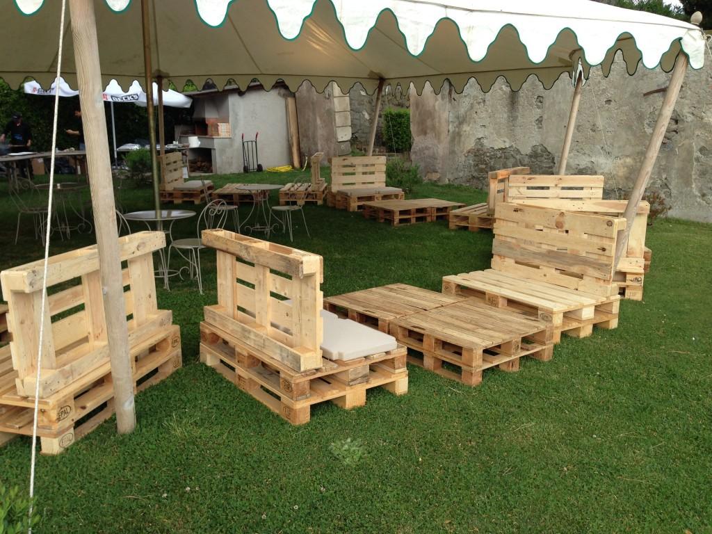 Arredo negozi abbigliamento in pallet archivi mobili in for Arredo giardino palermo