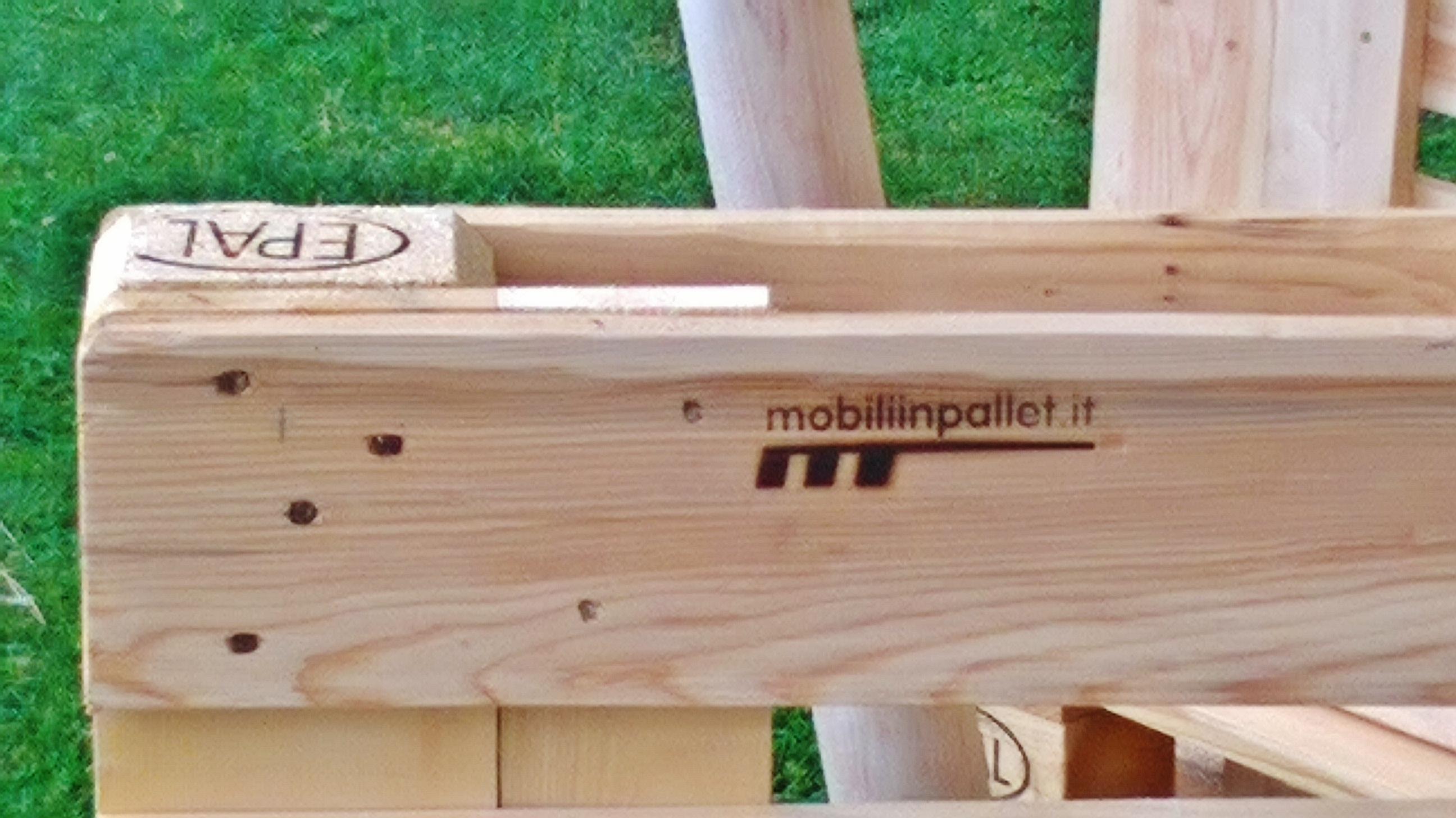 Mobiliinpallet.it arreda Castel Gandolfo - mobili in pallet