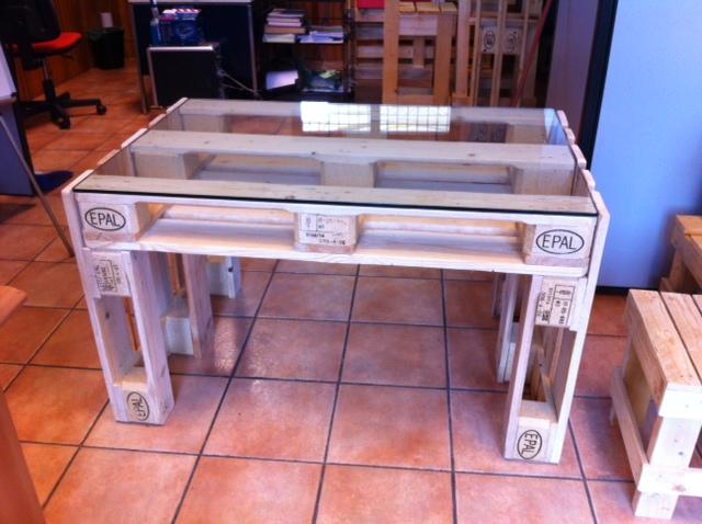 Ripiano In Vetro Per Tavolo.Tavolo Con Ripiano In Vetro Mobili In Pallet