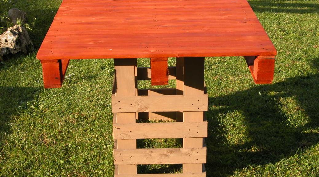 Tavolo in pallet due colori