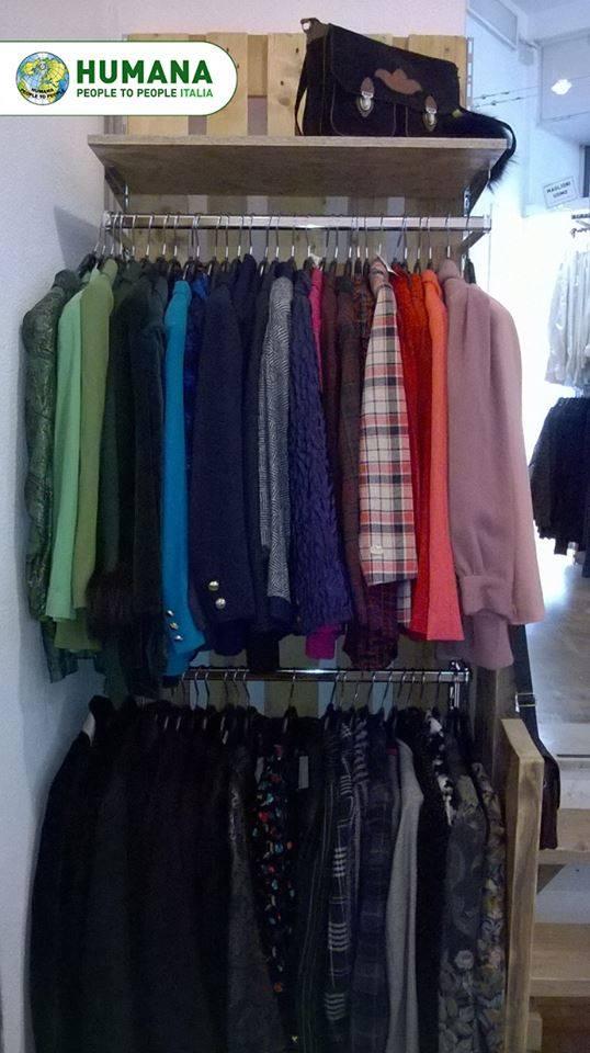 Appendi abiti per negozio abbigliamento