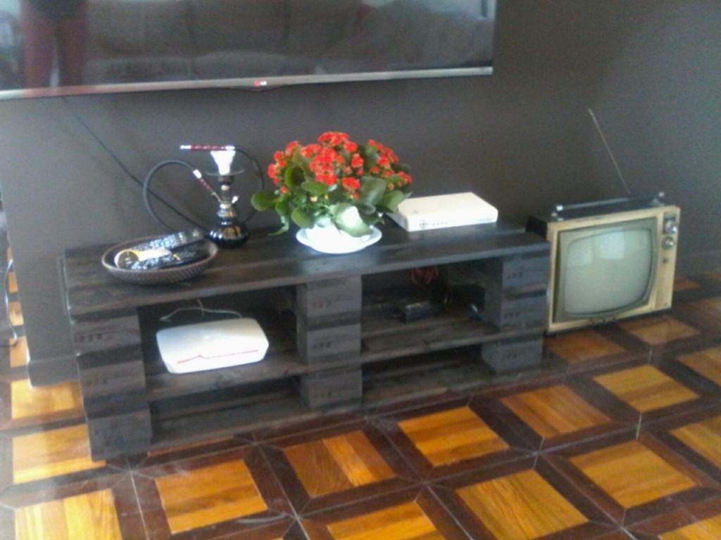 Mobiletto tv in pallet grigio