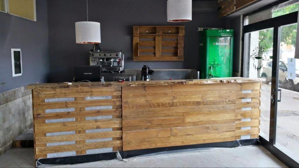 Tavoli mobili in pallet for Bancone in legno fai da te