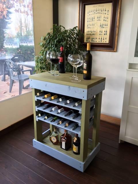 Carrello porta bottiglie in pallet due colori