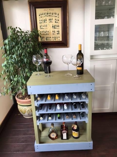 Carrello porta bottiglie in pallet bicolore COD. ARR10