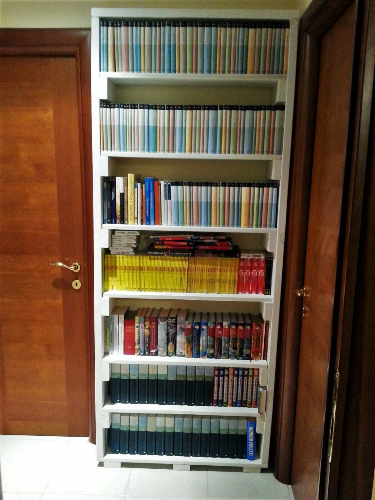 Libreria con bancali se97 regardsdefemmes for Libreria fai da te