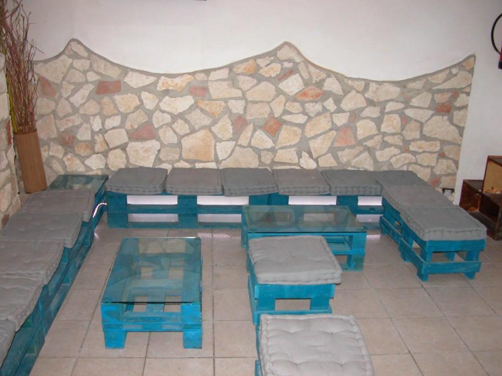 Sedie per bar e pub mobili in pallet for Sgabelli bar economici