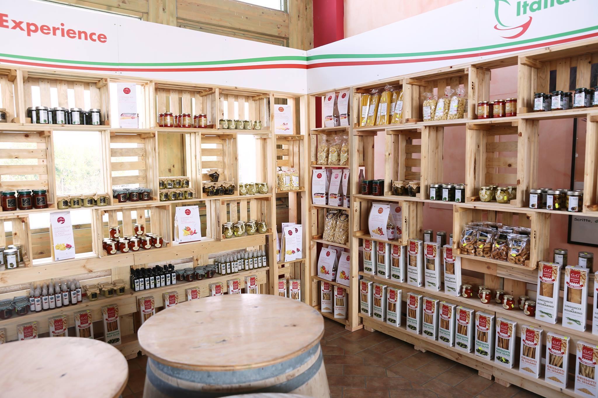 Bar Arredati Con Pallet arredo negozio abbigliamento - mobili in pallet