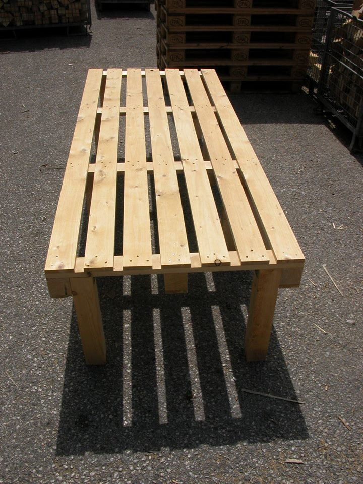 Letto in pallet letto pallet with letto in pallet letto for Testiera letto pallet