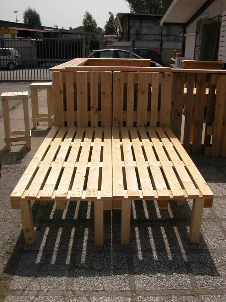 Come realizzare un letto con i pallet mobili in pallet - Costruire letto matrimoniale ...
