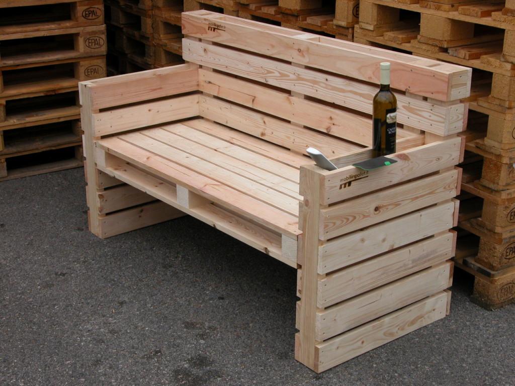Sedie per bar e pub mobili in pallet for Sedie fatte con pallet